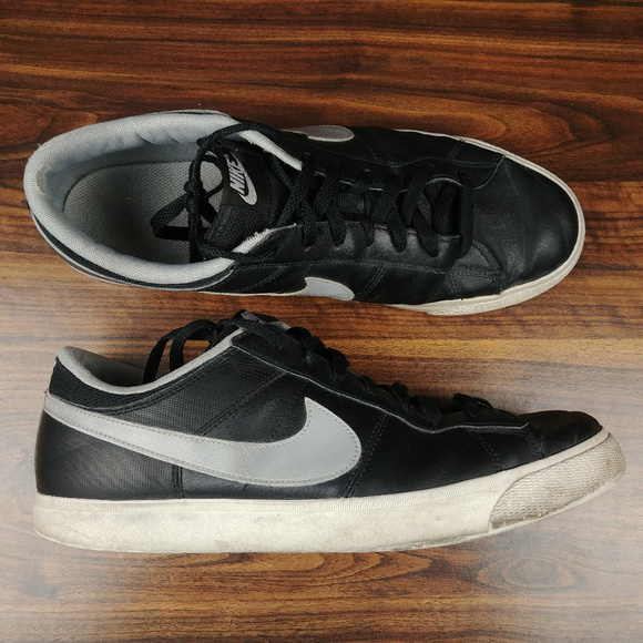 ffaad1da6a1e Nike Match Supreme Leather Shoe Sneakers Mens 13. M 5ab99f0b05f43063d52af59b